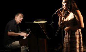 chanteuse et pianiste accompagnateur
