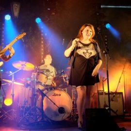 groupe rock sur scène
